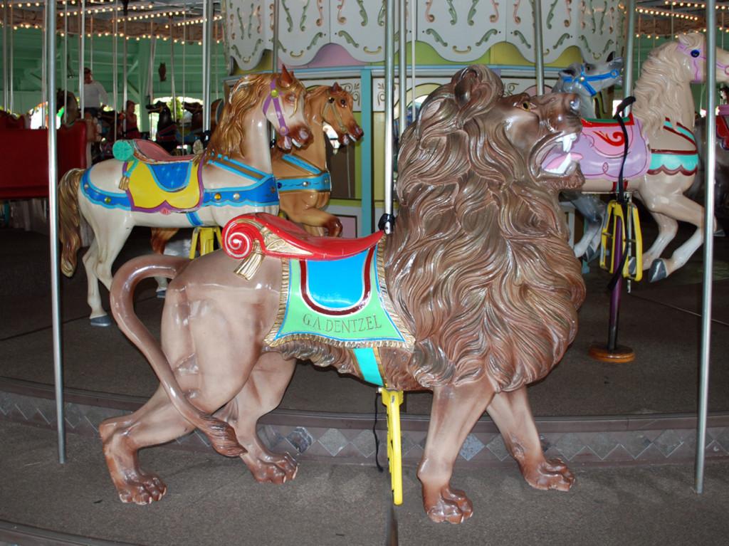 1890s-Canobie-Lake-Park-Carousel-rare-Dentzel-lion