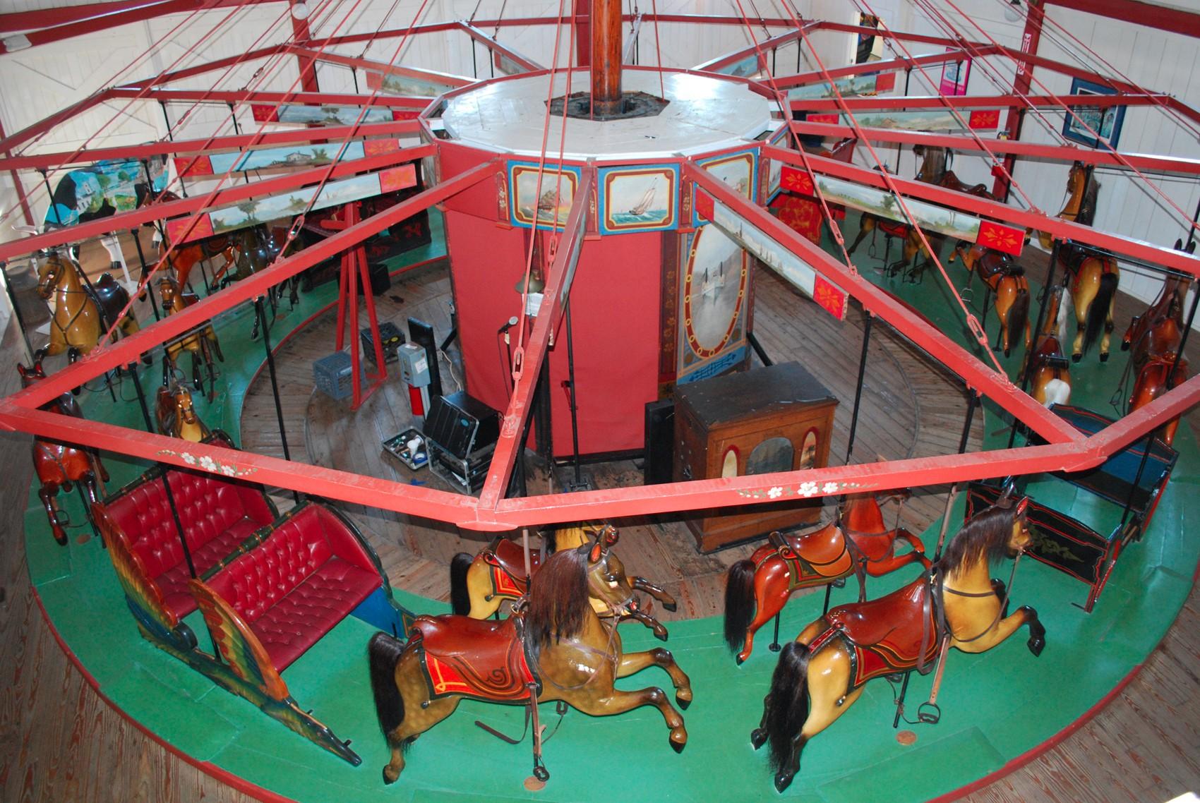 1876-Oak-Bluffs-Flying-Horses-carousel-06