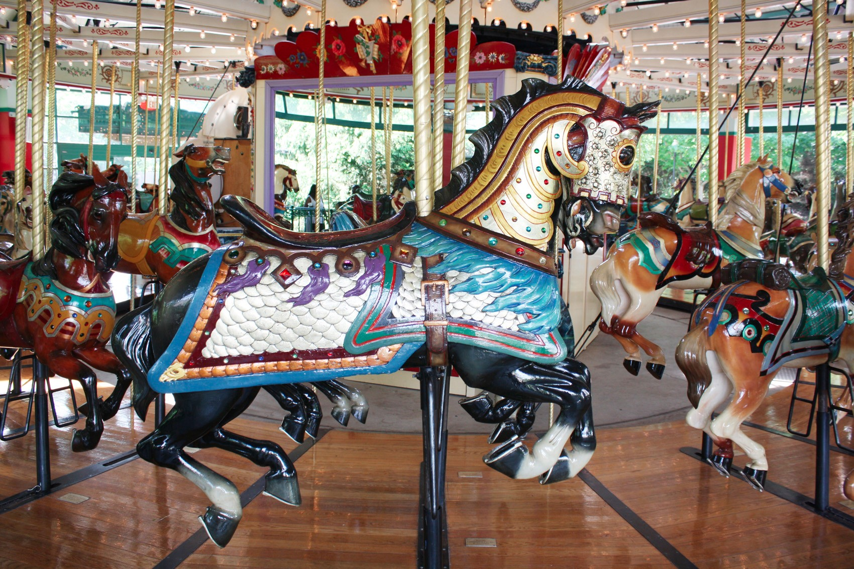 1914-Mangels-Illions-carousel-Columbus-Zoo-armored-horse-2