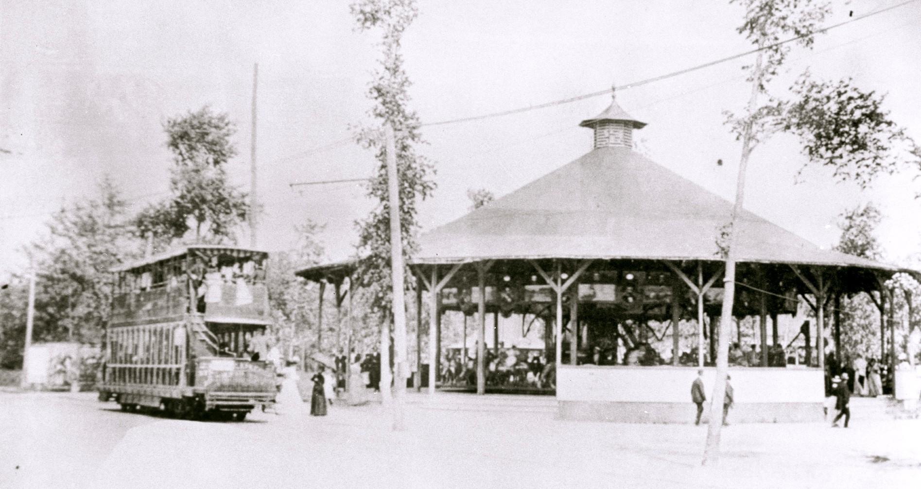 Carousel-Streetcar