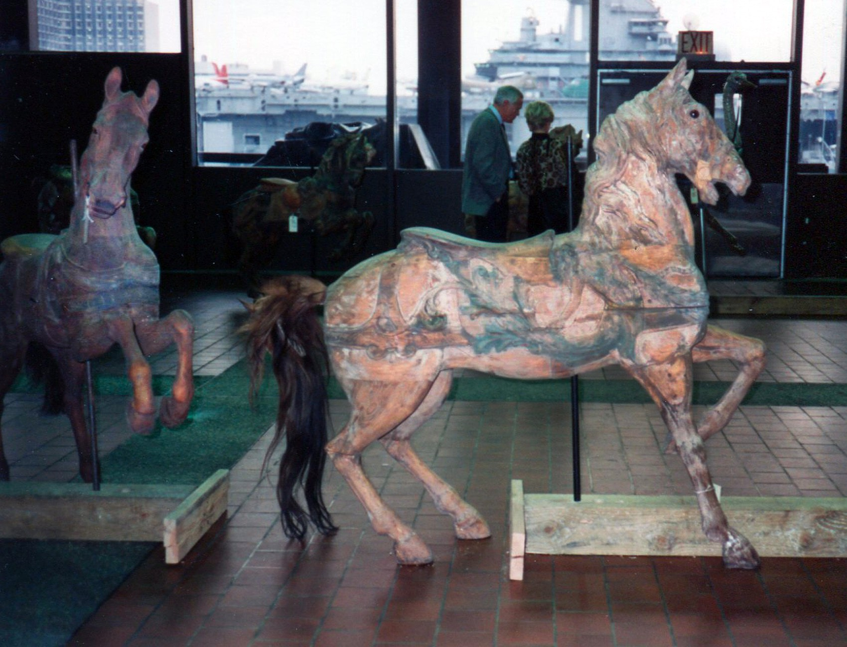 Dentzel-carousel-horses-Great-Escape-Fun-Park-NYC-auction-1989