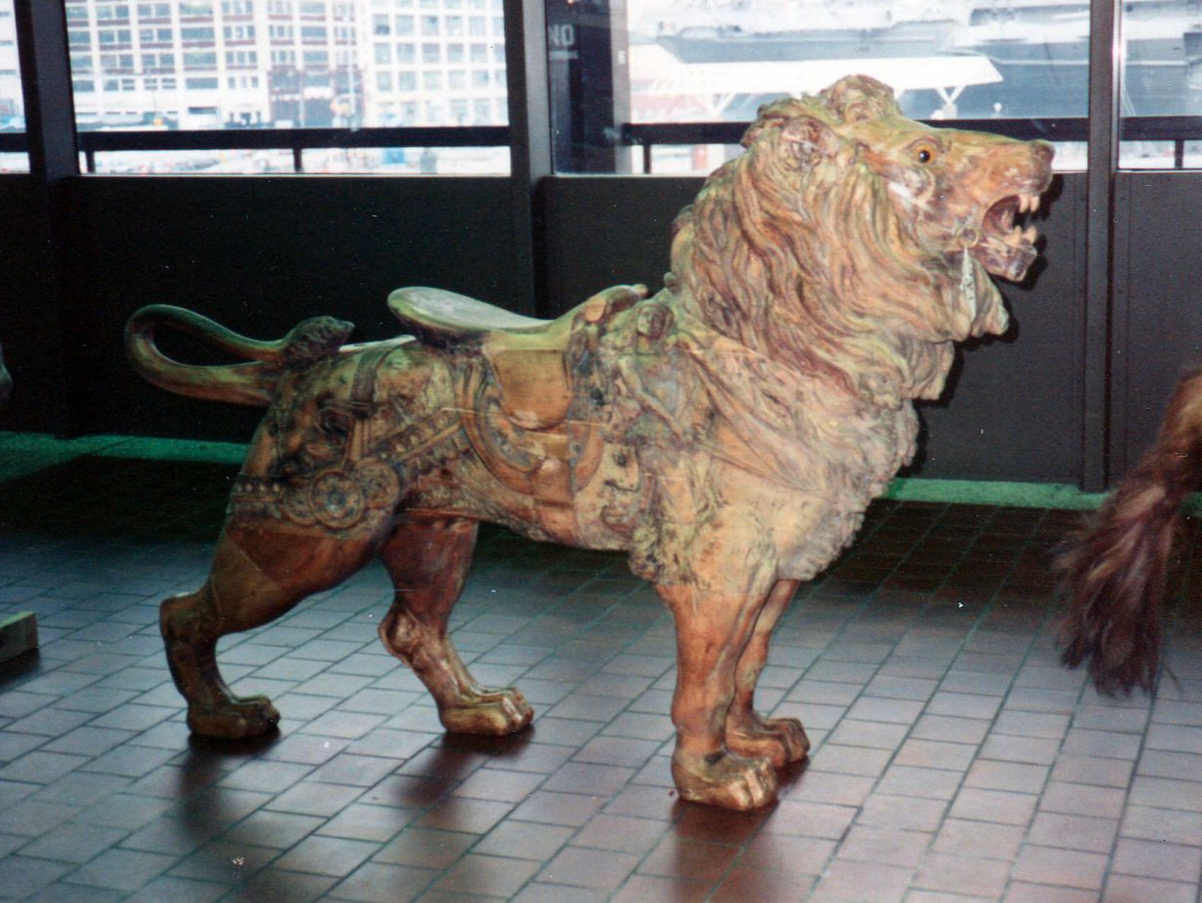 Dentzel-carousel-lion-Great-Escape-Fun-Park-NYC-auction-1989