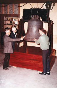 Walter Knott, Bud Hurlbut and guest admire the newly installed Liberty Bell in Independence Hall.