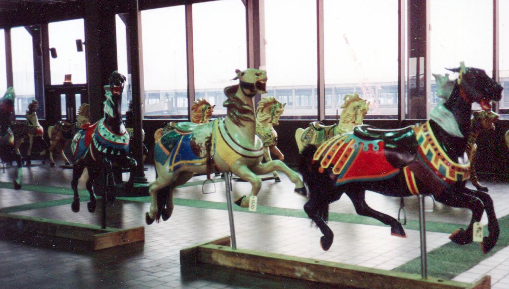 Seaside-Illions--Eldrige-Park-Carmel-carousel-horses-nyc-1989