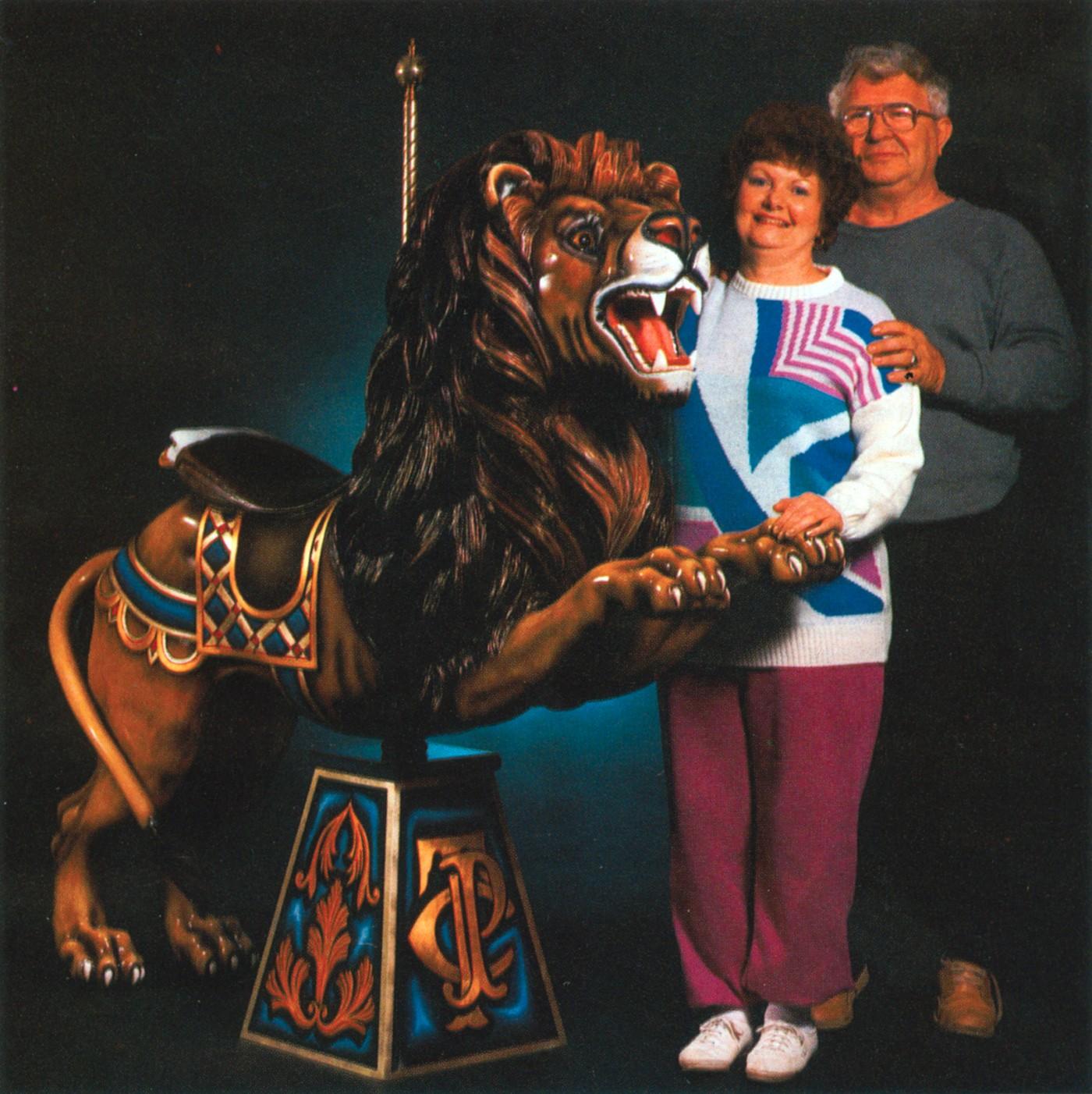 Skylon-Towers-Niagara-carousel-lion-Corey_6-88