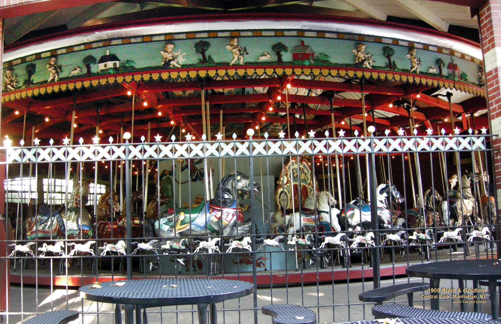 1908-Stein-and-Goldstein-carousel-Central-Park-NYC-CNT-center-May_11