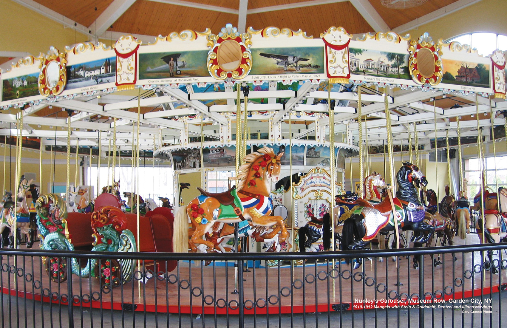Historic-Nunleys-carousel-Garden-City-NY-CNT-center-JUN-09