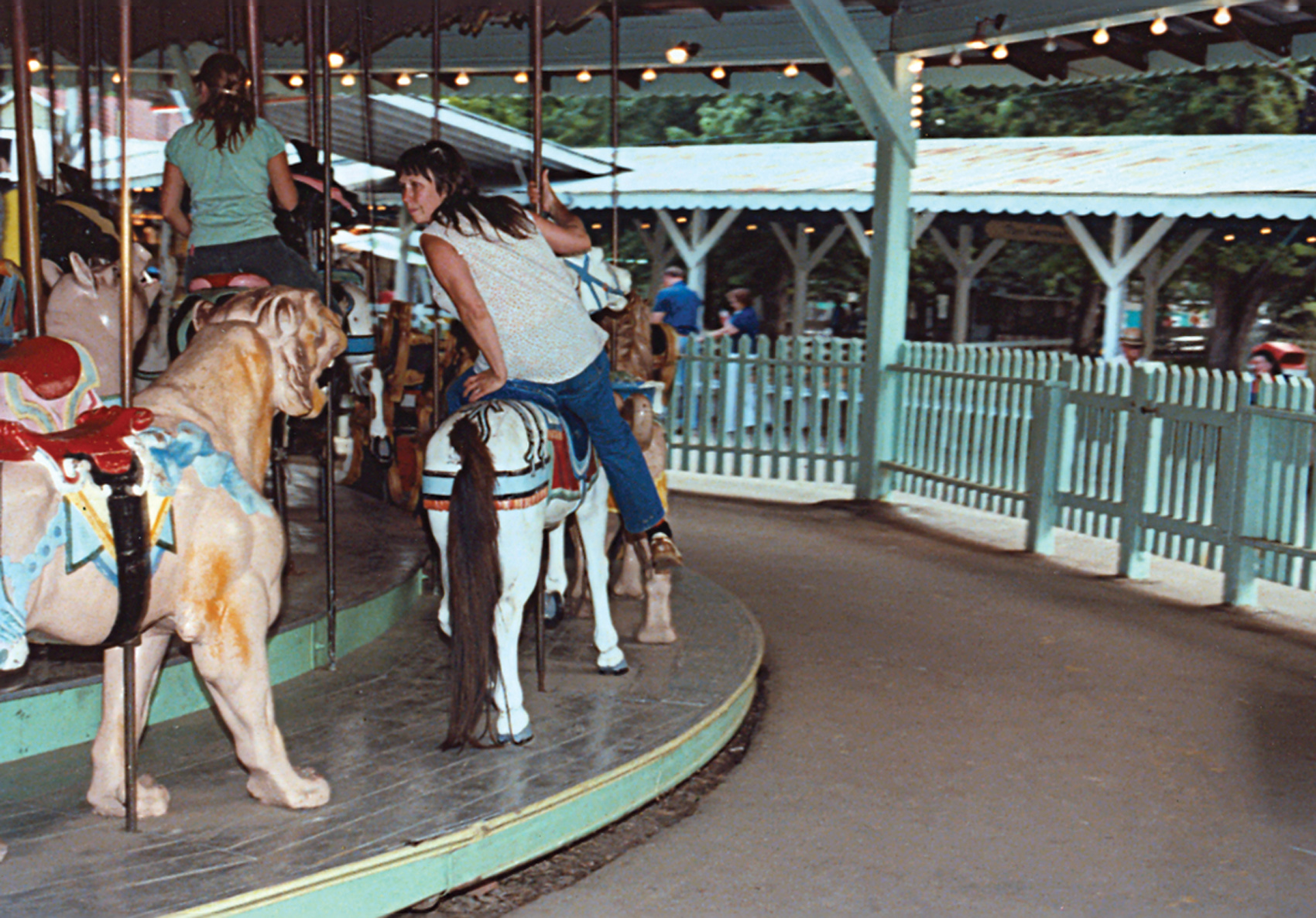 Beech-Bend-park-Dentzel-carousel-Farnsworth-photo