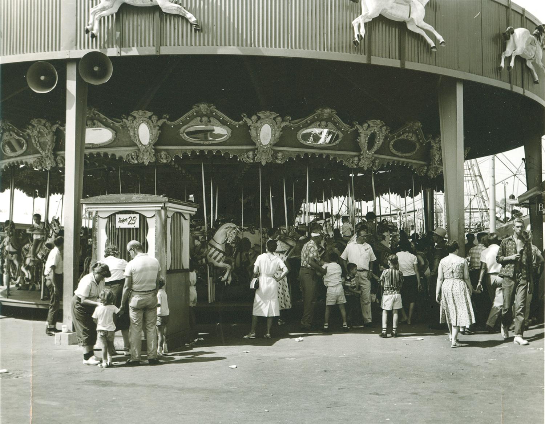 Illions-Supreme-carousel-LA-Fairgrounds-Pomona-ca-1960s