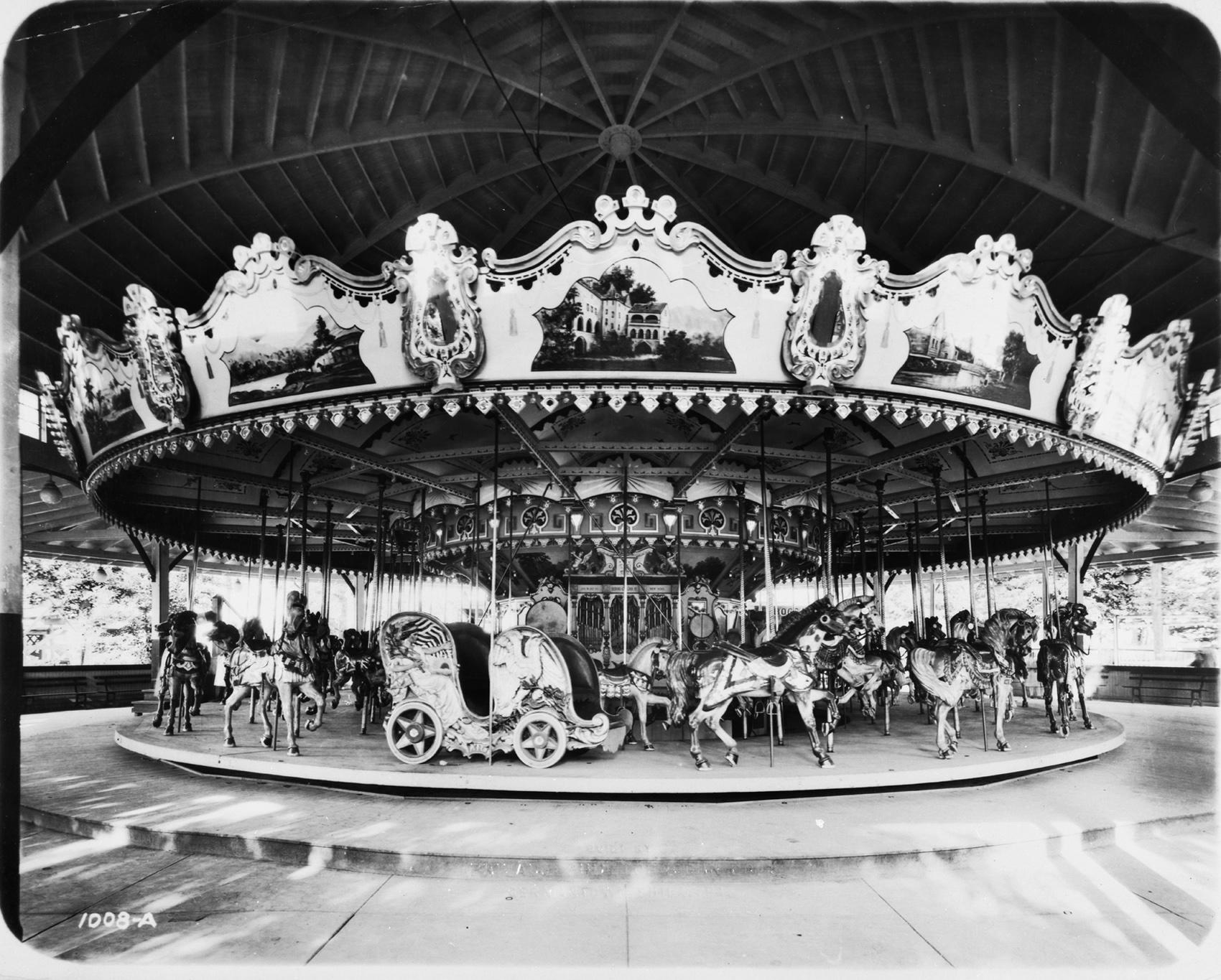 Philadelphia-Toboggan-Co-1919-PTC-No-49-carousel-Clementon