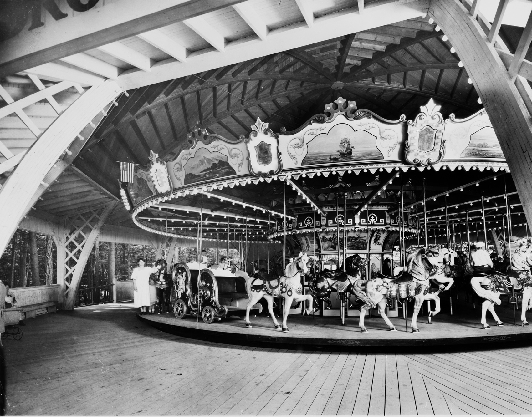 Philadelphia-Toboggan-Co-1926-PTC-No-75-carousel-Gillians-Wonderland