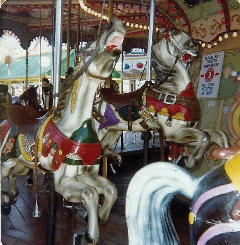 Wildwood-Sportland-Stein-and-Goldstein-carousel-horses-1970s