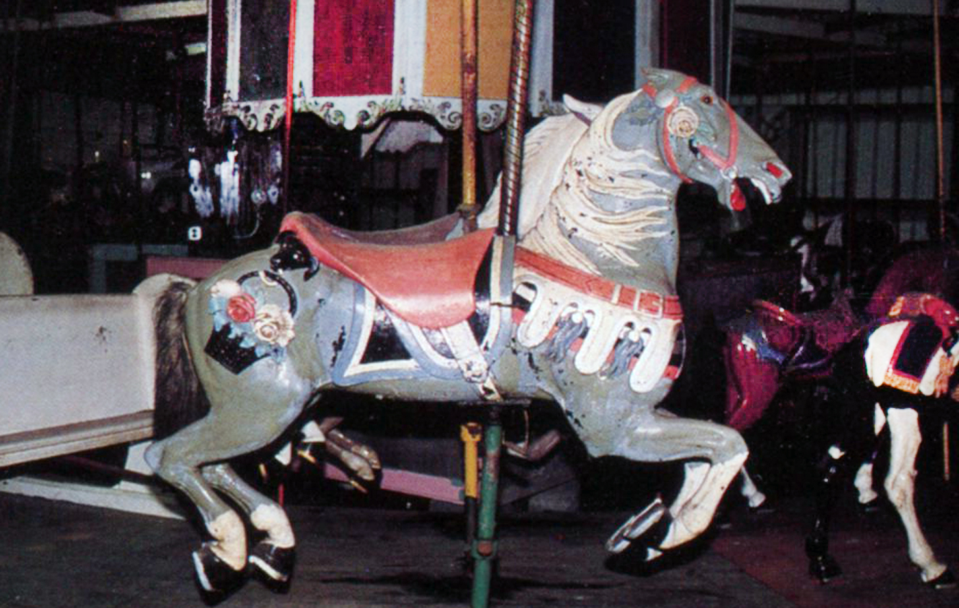 Belchertown-carousel-flower-basket-Stein-Goldstein-horse