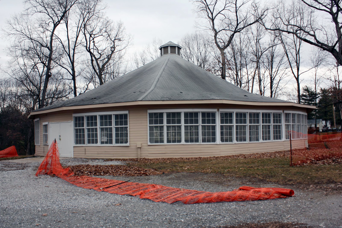Brookeside-park-condemned-1939-carousel-building