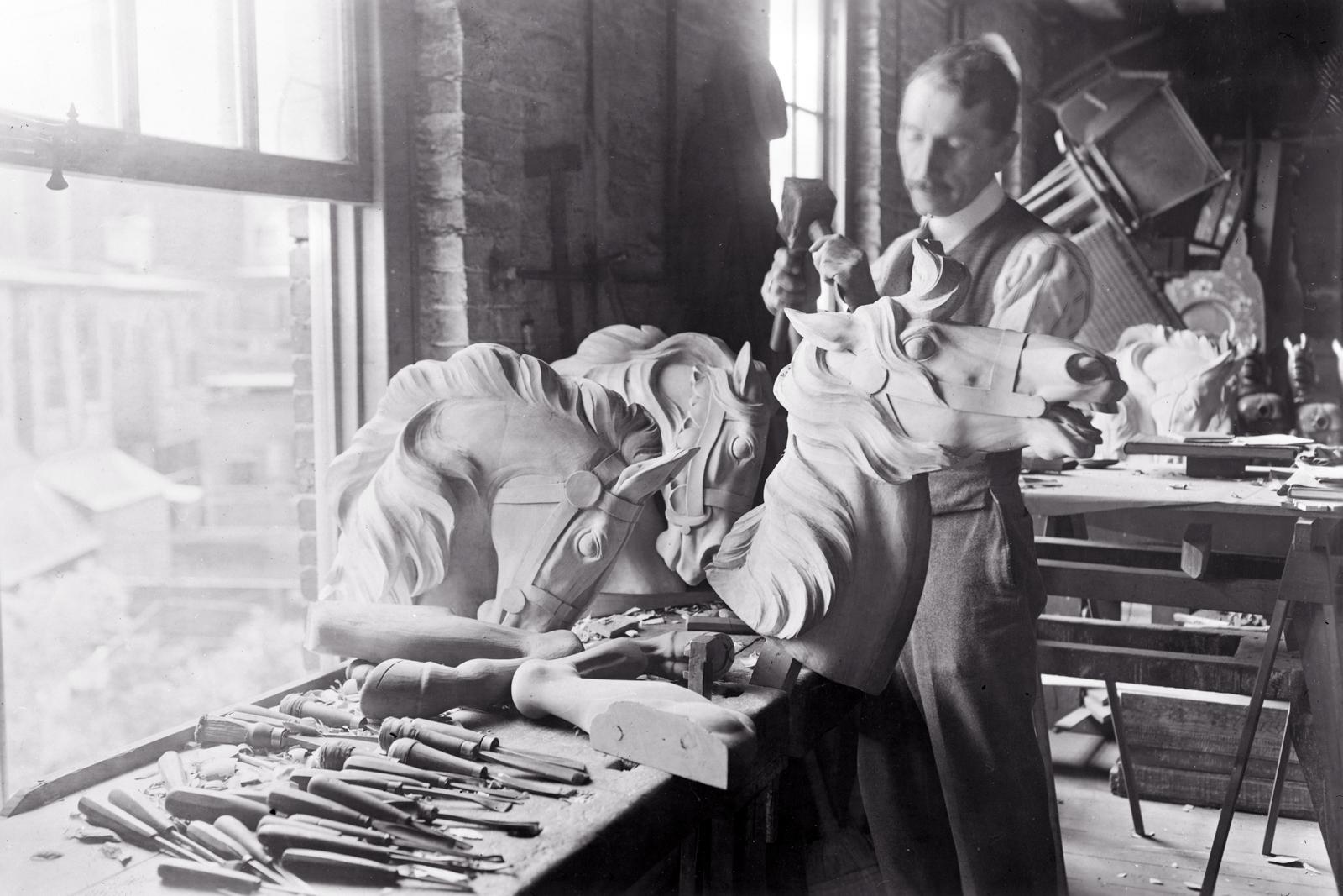 Daniel-Muller-carving-carousel-horse-Dentzel-shop-Philadelphia-early-1900s