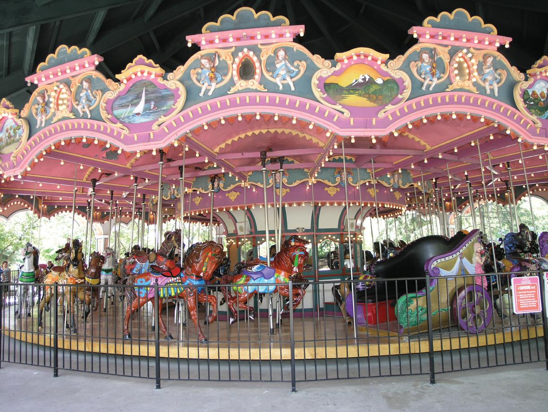 PTC-84-carousel-Canadas-Wonderland