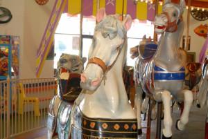 Carousel-horses-Seaside-Carousel-1900-Looff-Dentzel