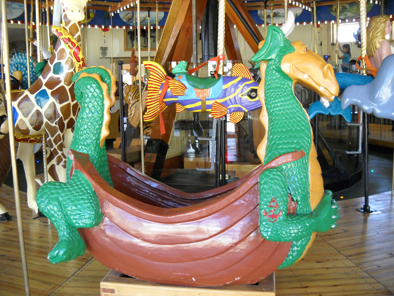 Nederland-CO-Carousel-of-Happiness-dragon-boat
