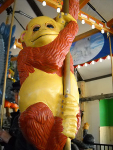Nederland-CO-Carousel-of-Happiness-pole-monkey