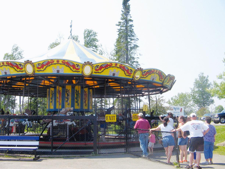 Parker-carousel-Chippewa-Park-Thunder-Bay