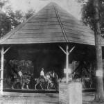 r-Quassy-Amusement-Park-1902-E-Joy-Morris-carousel