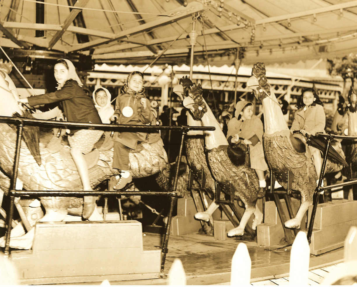 Chanticleer-chicken-merry-go-round-Steeplechase-park-ca-1930