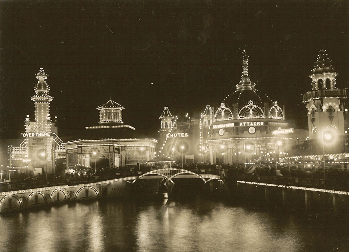 Romantic-Luna-Park-Coney-Island-1920s-Brigandi9-photo