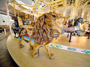 Trimpers-Rides-Herschell-Spillman-carousel-lion-DM-Hall-photo