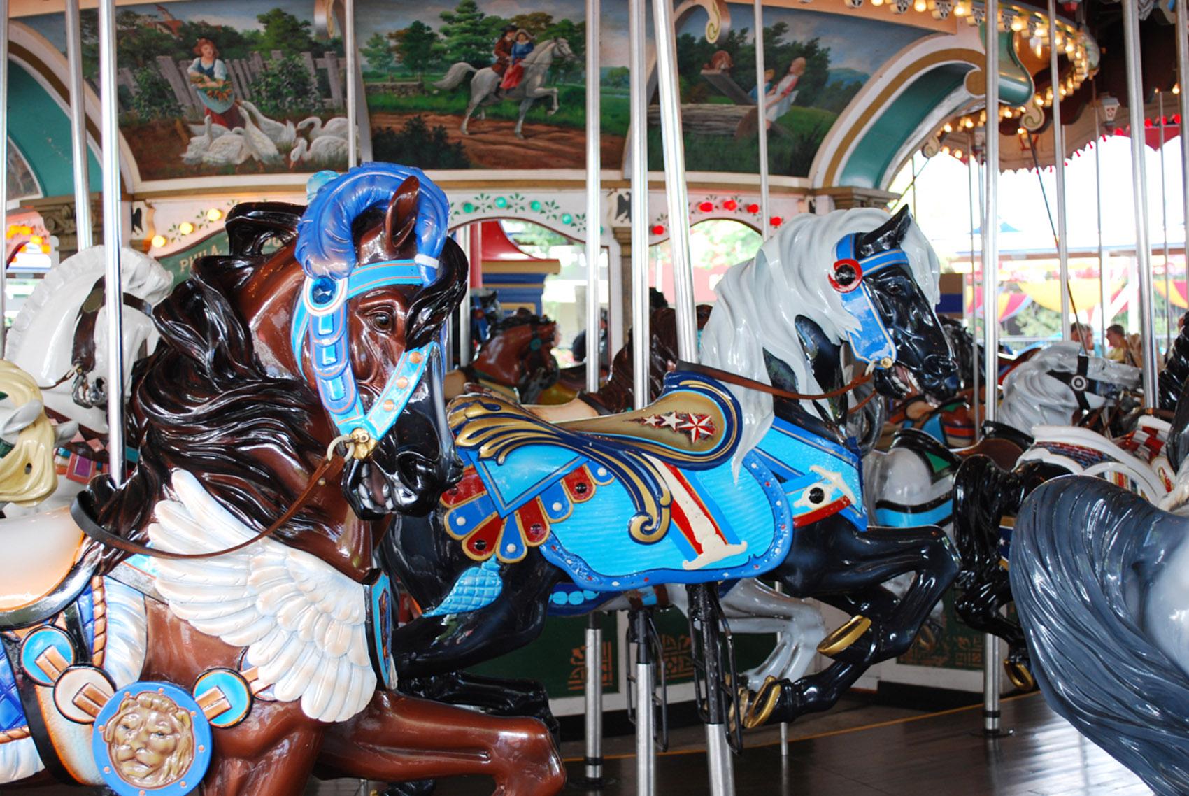 Historic-Hersheypark--carousel-horses-