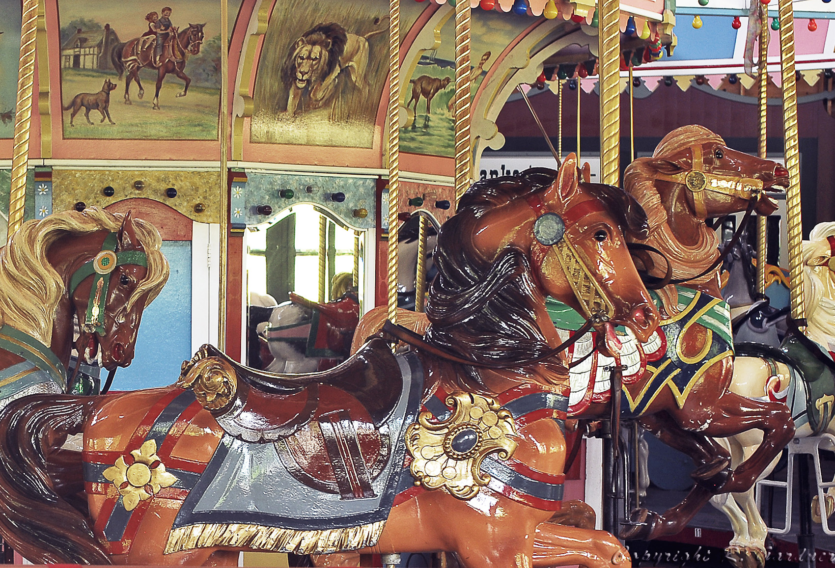 PTC-80-Holyoke-MA-carousel-horse-Richard-Gardner-photo