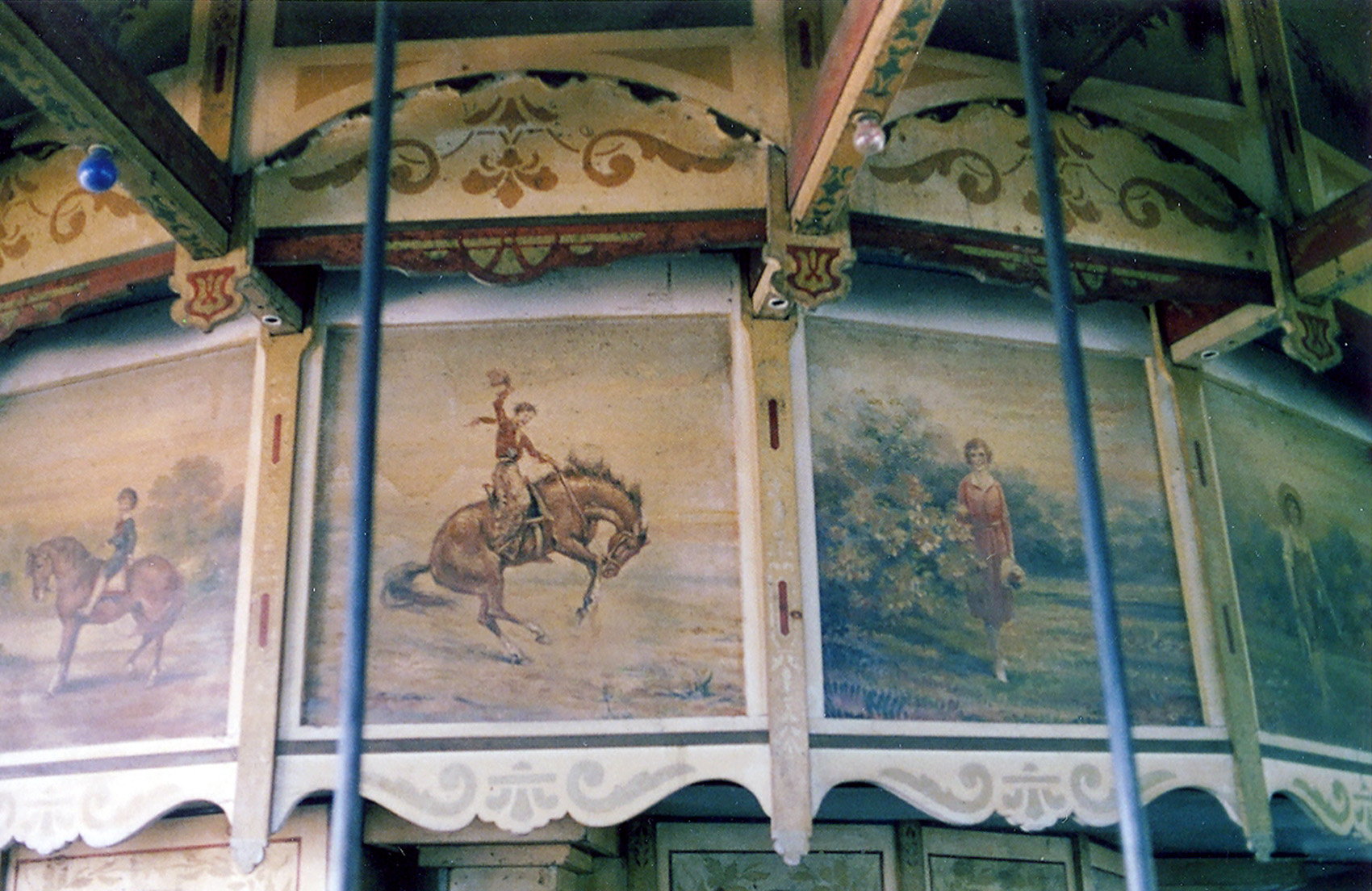 1905-PTC-9-carousel-inner-housing-art-photo-1980-Barbara-Williams-6