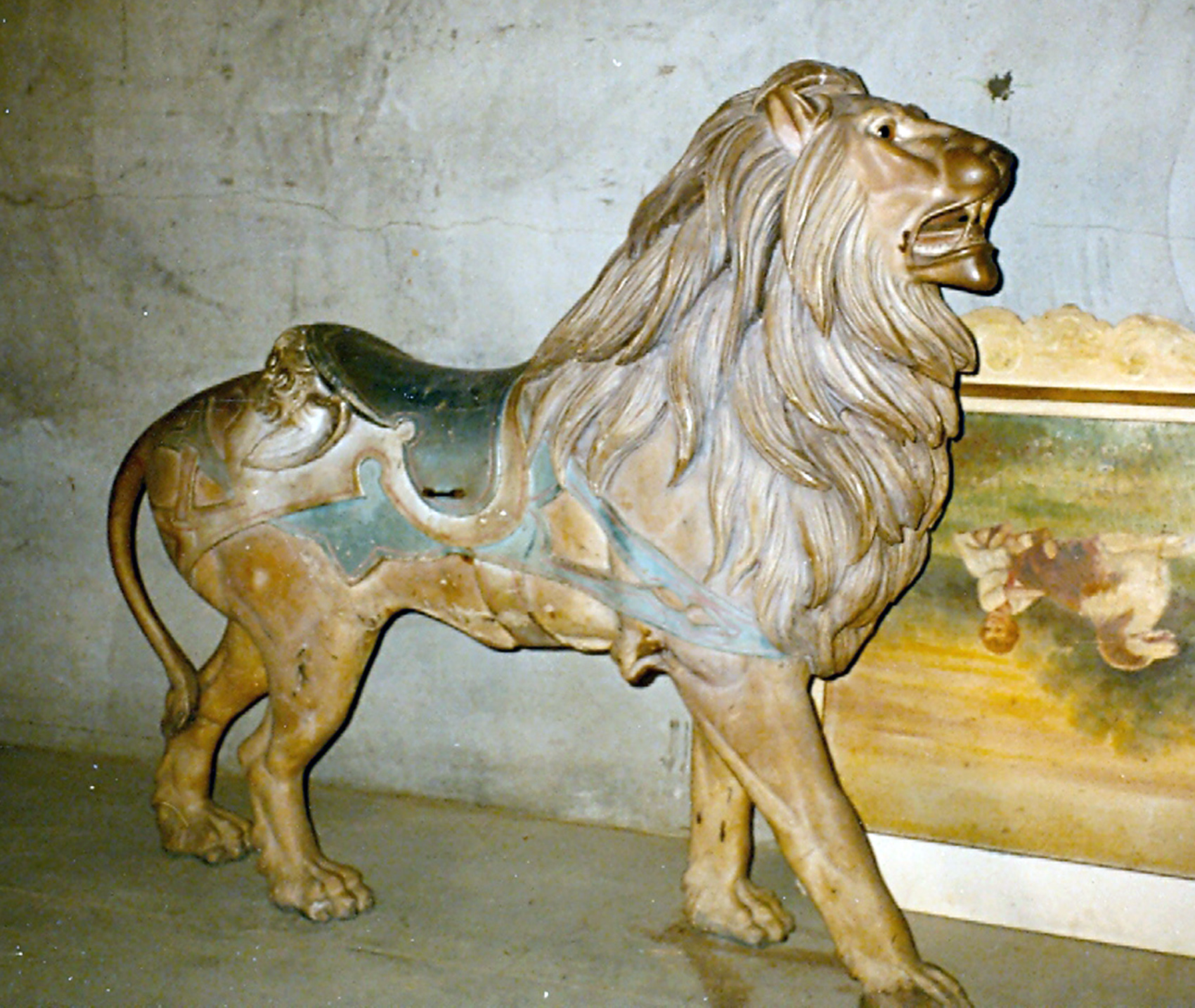 PTC-9-carousel-lion-pine-grove-PA-auctioned-1980